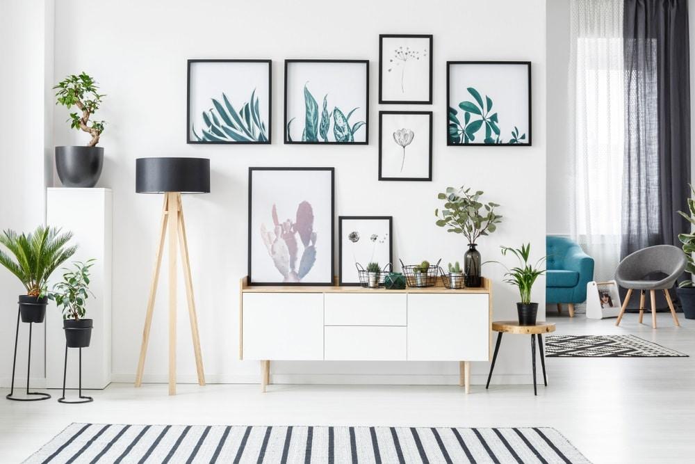5 conseils pour décorer un mur blanc